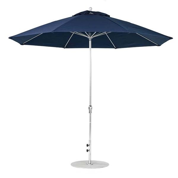 11 Foot Octagonal Fiberglass Crank Market Umbrella